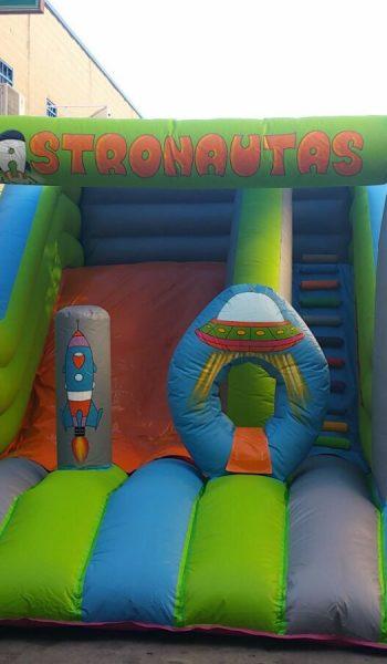 Castillo Astronautas cubierto